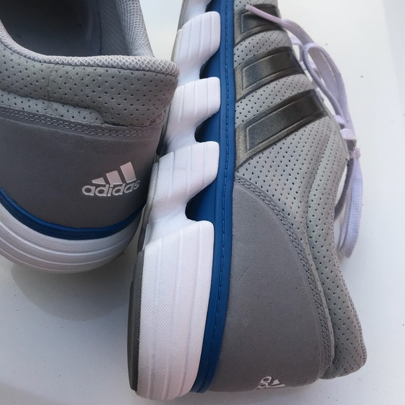 new arrival 5e866 526ea Adidas YYA 606001 Running Shoes Men s Size 13. M 5c8205ee7386bc90a9799b60